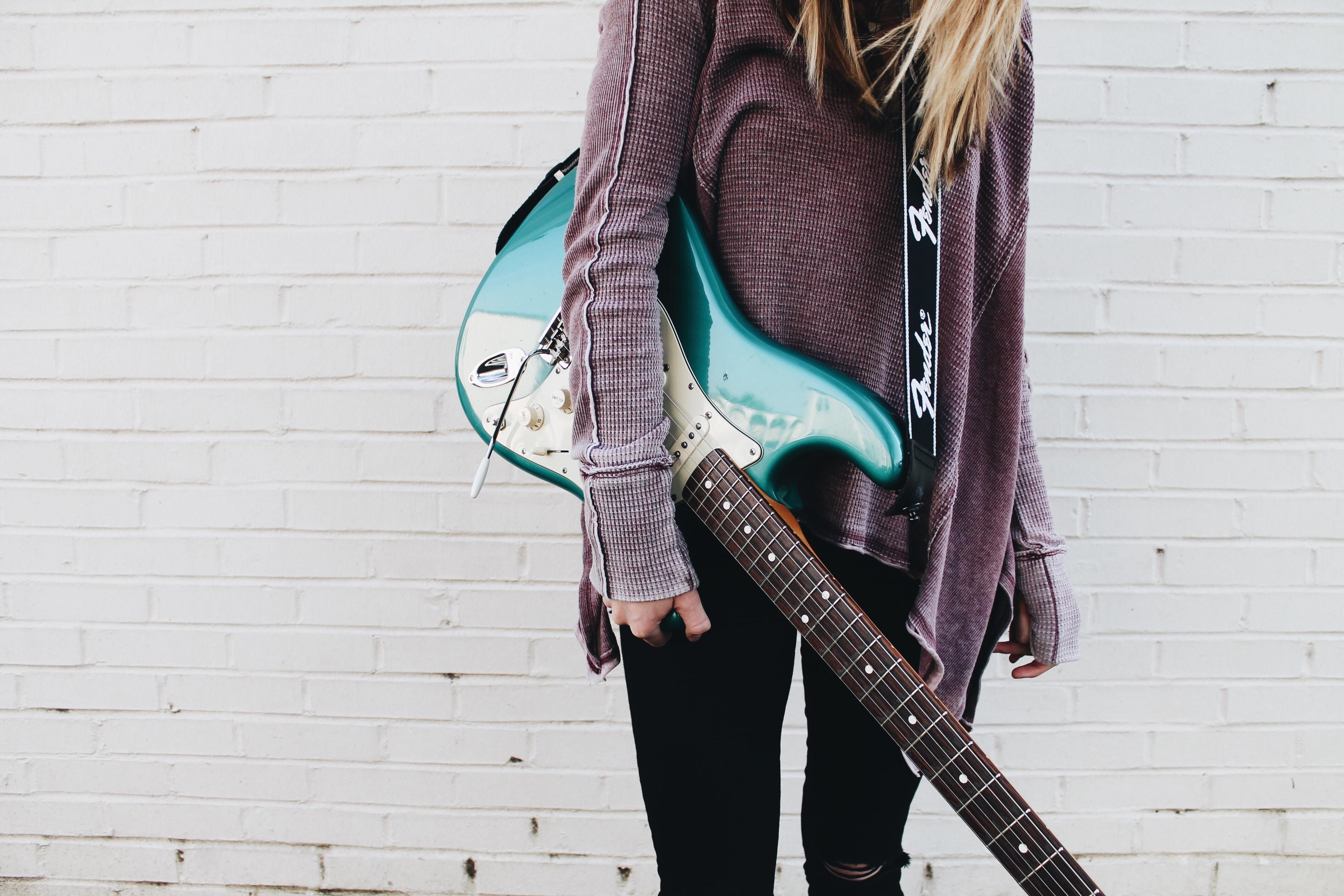 2018_0423221134_guitar.jpg