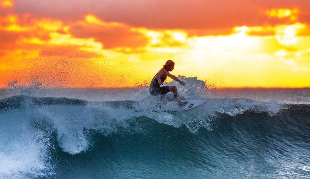 2018_0609163720_surfer-wave-sunset-the-indian-ocean-390051.jpeg