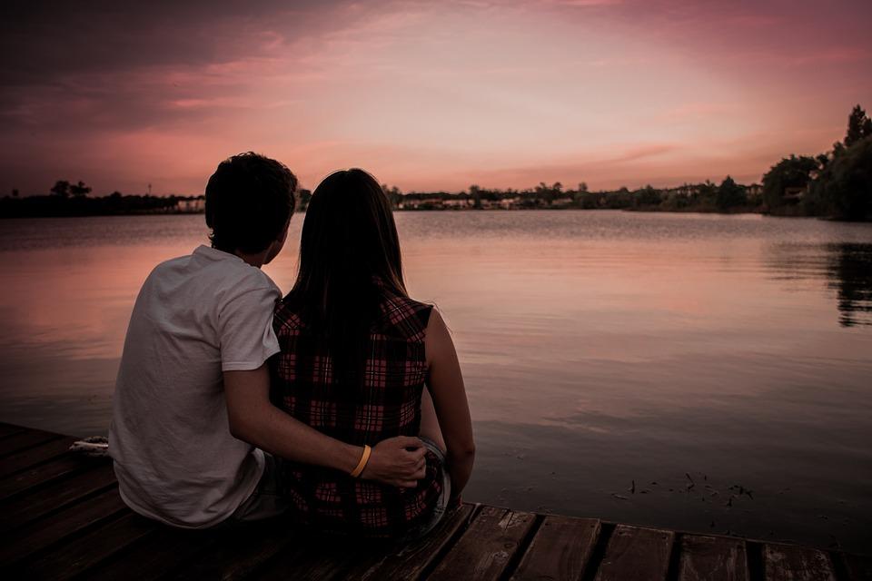 2019_0202135715_couple-1209790_960_720.jpg