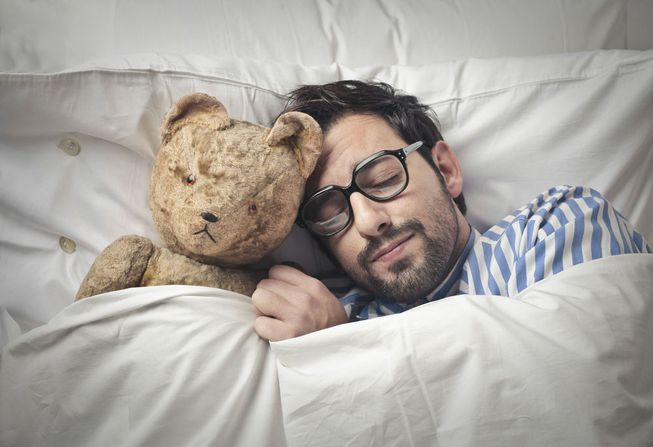 2019_0218173813_man-sleeping-with-teddy-bear.jpg.653x0_q80_crop-smart.jpg