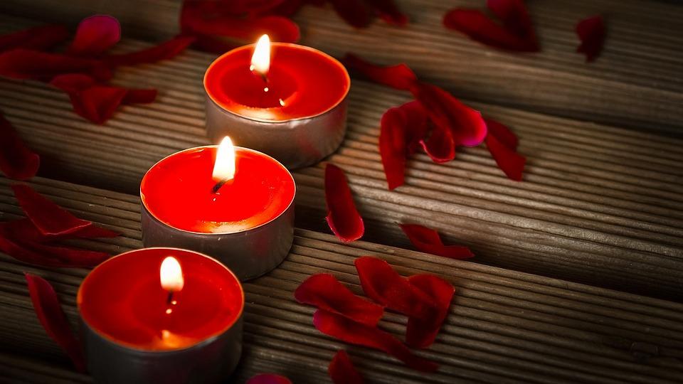 2017_0126151020_candles-1714800_960_720.jpg